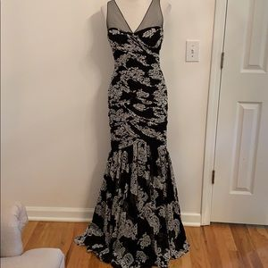 Adriaanna Papell Formal Gown